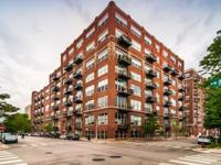 1 bed 1 bath Loft condo in the West Loop. Highly