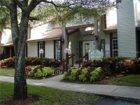 Well Maintained 1 bedroom 1 bathroom upstairs unit in
