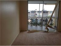 Penthouse top floor unit, beautiful spacious 1 bedroom