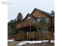 Gorgeous, corner, end unit condo at Marys Lake Lodge,