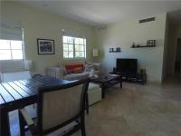 Super charming 1 bed / 1 bath in best location in SoBe