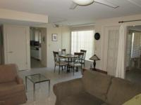 Beautiful Villas East Luxury condo with large living