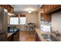 Beautifully renovated 2nd floor unit in Roundtree