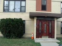 1BDR/1BTH unit w/fireplace. Situated near to shops,