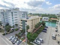 Very spacious 1 bedroom with 1.5 bathrooms condo unit.