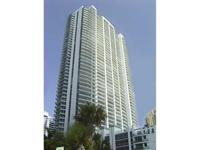 Spectacular bayloft unit in the heart of brickell.