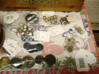 Hundreds of Buttons for Collectors and Crafters. All
