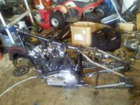 1972 ironhead 1000cc running motor the frame is raked