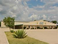 Very nice complex with great business location. Luling