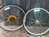 I have a bunch of alloy 26in mountain bike wheels, both