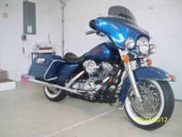 2005 Showroom new Harley electra glideLaced wheels with