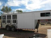 1999 Sooner gooseneck horse trailer. three horse