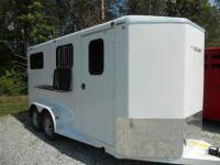 Brand New Titan Avalanche III two horse straight load.