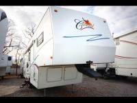 Fantastic, clean used fifth wheel at a fantastic price!