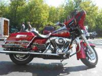 2005 HARLEY-DAVIDSON FLHR/FLHRI ROAD KING, Custom Red,