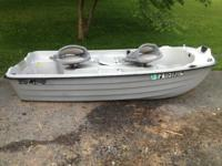 10' gamefisher boat in excellent condition. Lights for