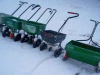 Scotts drop spreader $10 Model: 35-3 Steel Spreader