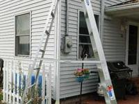 This aluminum step ladder is in LIKE NEW condition. We