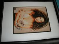 ACTRESS DEMI MOORE AUTOGRAPHED 8 X 10 PHOTO