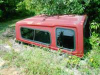 Leer camper shell in attractive shape, have keys and