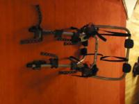 Yakima King Joe 3. Holds 3 bikes. All parts and
