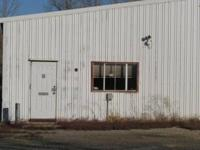 Over 18,000 sq ft, commercial building with loading