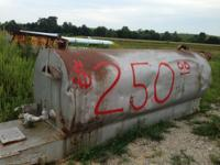 1000 gallon fuel tank on skids $250 500 gallon propane