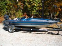 1995 Stratos 278V (17 ft. 9 in.) with Johnson Outboard