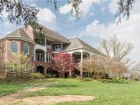 Custom built on point at Old Hickory Lake w/180 degree