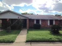 104 Sevilla Lp. VERY WELL MAINTAINED HOME in central