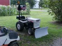 1050 Bolens Garden Tractor; with Snow Blade, Boom,
