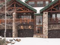 This Wood Run townhome is situated on Home Again Ski