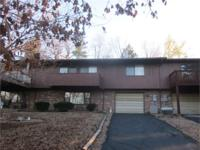 A Beautiful town home in Shoals, near the lake and