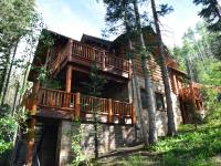 Quintessential log cabin on the ski area! This fabulous