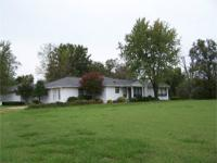 COUNTRY LIVING WITH-IN THE CITY LIMITS,NICE 3250 SQ FT