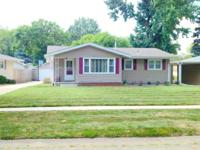 2305 Eastview Dr. 62702 3 bed/1.25 bath (.25 is in
