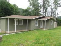 1br 1ba home 2.7 miles from Lowes Foods, right off hwy