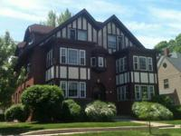 Beautiful large 2BR apartment at 603 W. Green, Urbana