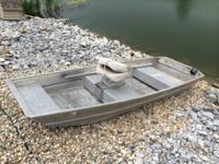 selling a 10ft flat bottom aluminum pond boat.  no