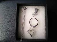 10k white gold heart necklace with diamonds and box