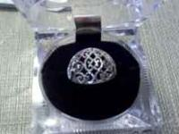 Beautiful 10kt white gold filigree ring for sale. Ring