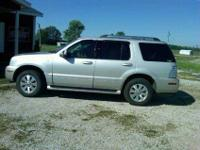 2006 Mercury Mountaineer/ All Wheel Drive/ V8 engine/