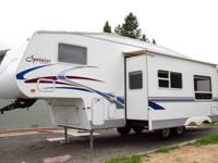 2003 Keystone Sprinter 275BH Fifth Wheel. 27.5 ft Bunk