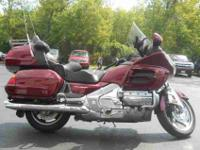 2005 HONDA GOLD WING, Candy Black Cherry,
