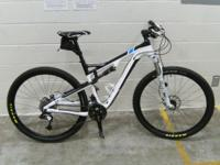 "2011 Trek Superfly 100, 19"" carbon fiber frame, 29"""