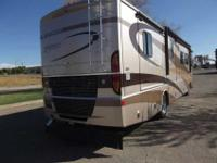 2005 FLEETWOOD DISCOVERY, LIKE NEW CONDITION. MODEL 39A