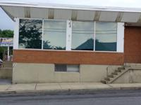 Great visibility Open commercial space One block from