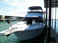 This 2000 Carver 356 is a one owner, fresh water, low