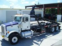 2008 Peterbilt 365 Roll Off / Hook Lift Truck For