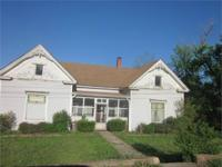 HISTORIC HOME IN MOUNTAIN HOME! This is a special home,